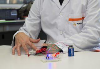 AIJU y AIMPLAS introducen la electrónica flexible en los juguetes en forma de sensores